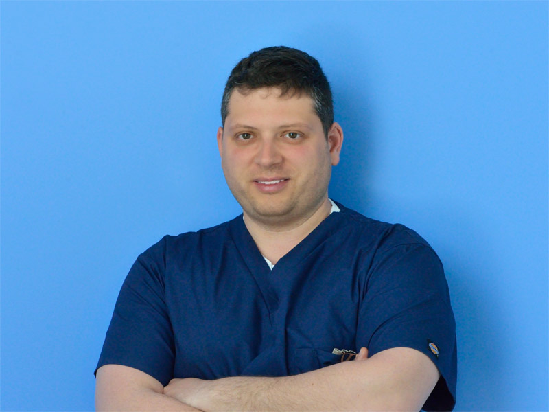 Dr. Daniele Spaziante | Veterinario | Specialista in Diagnostica per Immagini e Ozonoterapia | Clinica Futuravet | Tolentino | Marche