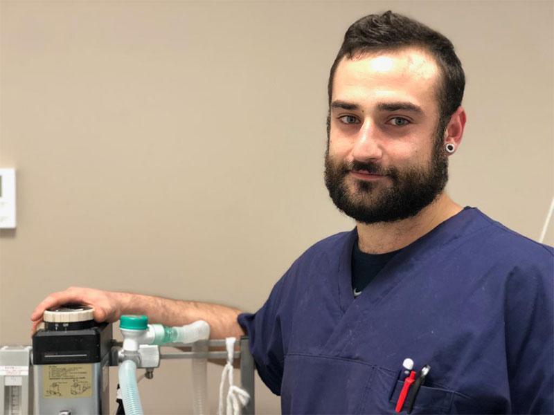 Dr.Raffaele Gennarelli | Veterinario | Specialista in Anestesia e Terapia del Dolore | Clinica Futuravet | Tolentino | Marche
