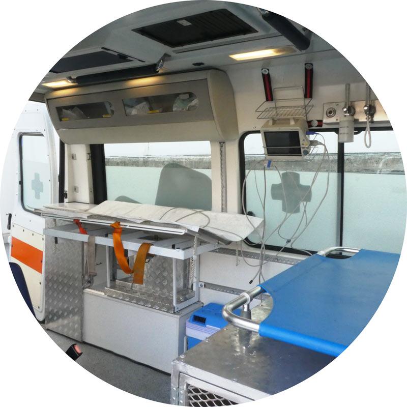 ambulanza veterinaria con attrezzatura di primo soccorso Futuravet